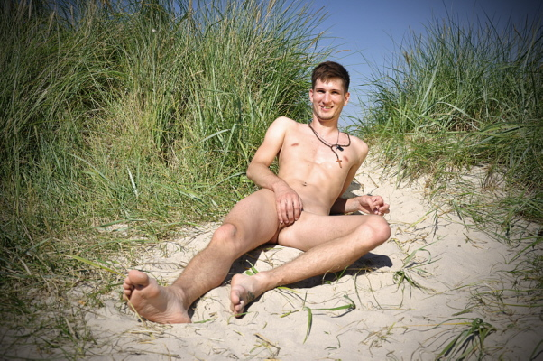 Pic Nude Male Outdoor 8